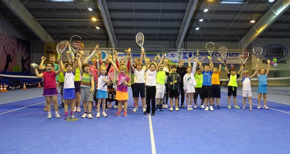 Little tennis players